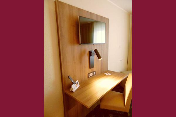 doppelzimmer-classic-tisch