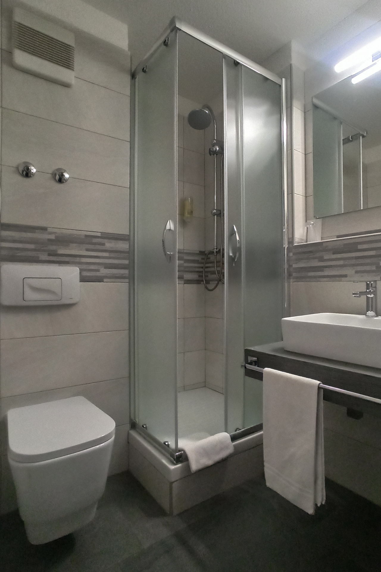 Hotel Arcis EZ Dusche